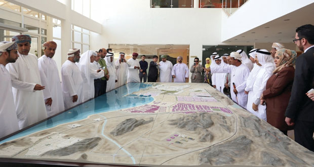 رؤساء اتحادات الغرف العربية والخليجية يزورون المنطقة الاقتصادية الخاصة بالدقم