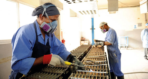 أكثر من مليون و604 آلاف عامل وافد بالسلطنة بنهاية أبريل الماضي