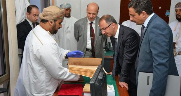 وفد الأرشيف التركي يواصل زياراته للسلطنة وجلسة مباحثات مع الوثائق والمحفوظات الوطنية