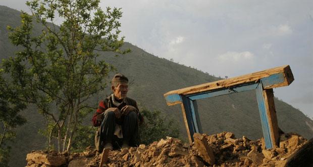 نيبال: ضحايا الزلزال يستغيثون بسبب نقص الإمدادات والحكومة تشكو العجز