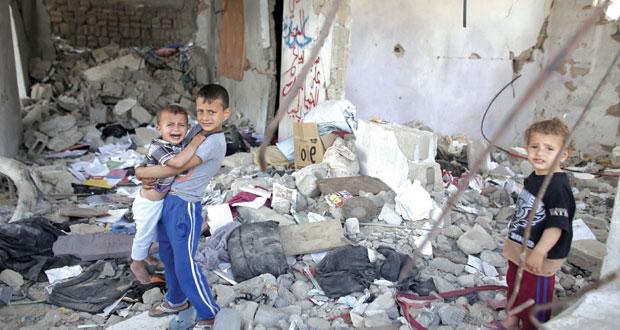 قوات الاحتلال تعتقل وتروع بالضفة والقدس وآلياتها تفتح النيران وتتوغل بغزة