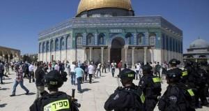 المرابطون في الأقصى يتصدون لعشرات المتطرفين اليهود واعتقال مقدسية