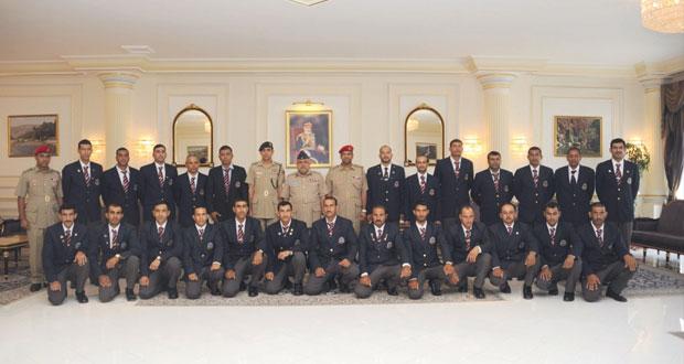 فريق قوات السلطان المسلحة للرماية يتوجه إلى المملكة المتحدة