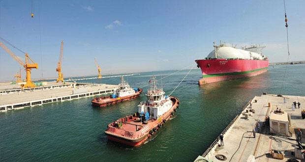 """1.7 مليار ريال تكلفة البنية الأساسية بـ""""اقتصادية الدقم"""".. ومشاريع الطرق المؤدية إلى الميناء في مراحلها النهائية"""