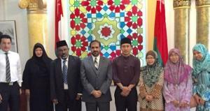 سفير السلطنة لدى بروناي دار السلام يلتقي عميدة كلية اللغة العربية والحضارة الإسلامية بجامعة السلطان الشريف على