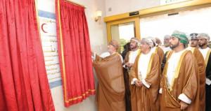 محمد البوسعيدي يفتتح مشروع مركز القلب بمحافظة ظفار