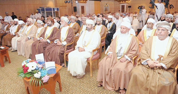 """وزير الداخلية يرعى الندوة القضائية حول """"تنفيذ الأحكام والسندات بين الواقع والطموح"""" بجراند حياة مسقط"""
