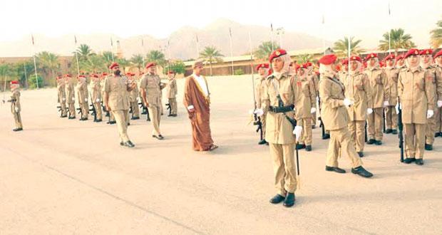الجيش السلطاني العمانــي يحتفل بتخريج دورة التدريب العسكرية للعنصر النسائي