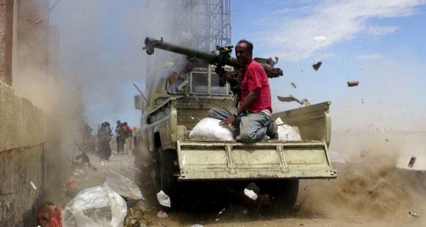اليمن: (التحالف العربي) ينفي تنفيذ أي عملية برية ويقصف مواقع للحوثيين بالحديدة