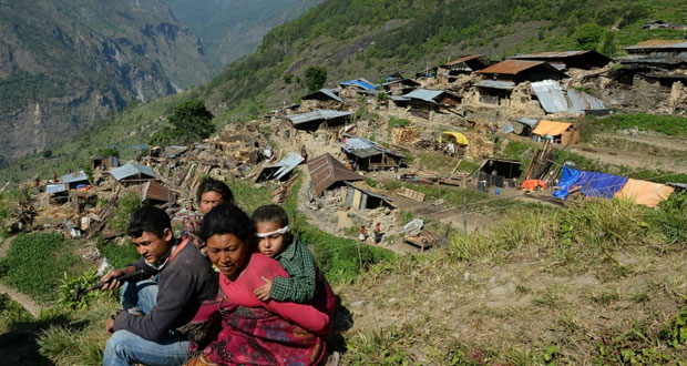 نيبال: 3 ناجين بينهم رجل تخطى الـ 100 عام وعدد القتلى يتجاوز 7 آلاف