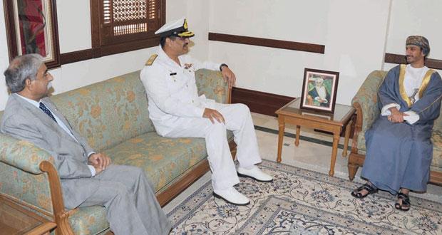 وزير الدولة ومحافظ مسقط يستقبل قائد مجموعة الواجب الباكستاني