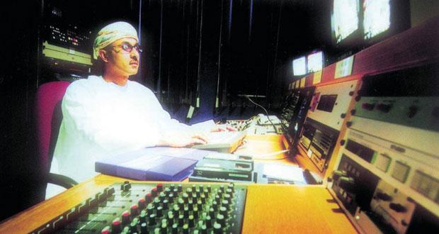 """""""من سحر البيان"""" و """" الموسوعة العمانية"""" برامج ثقافية متنوعة عبر إذاعة سلطنة عمان"""