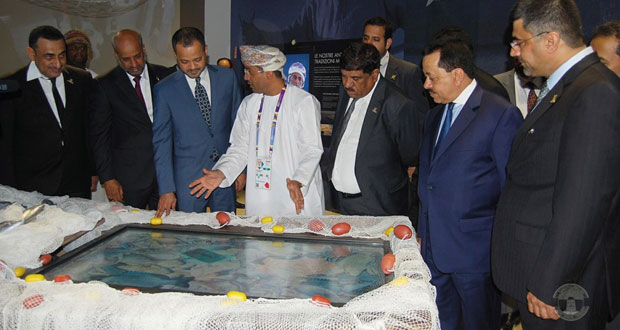 أمين عام وزارة الخارجية يزور الجناح العماني وعددا من أجنحة الدول الشقيقة والصديقة