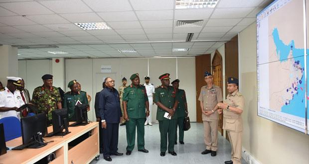 """آمر كلية الدفاع الوطني التنزاني يزور كليتي """" الدفاع الوطني """" و القيادة والأركان """""""