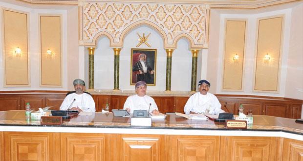 التنسيق بين وزارة النقل والاتصالات وبلدية مسقط لتوسعة وتطوير الواجهة البحرية بمطرح