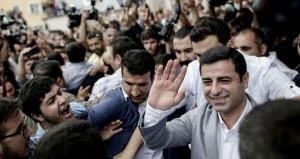 تركيا: الناخبون يدلون بأصواتهم في انتخابات تشريعية حاسمة