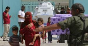 دمشق تنفي استخدام البراميل المتفجرة والأكراد يسيطرون على مقر «اللواء 93» في الرقة من داعش