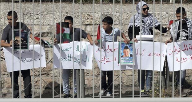 الاحتلال يشن حملة اعتقال ودهم بالضفة ويفتح نيرانه بغزة