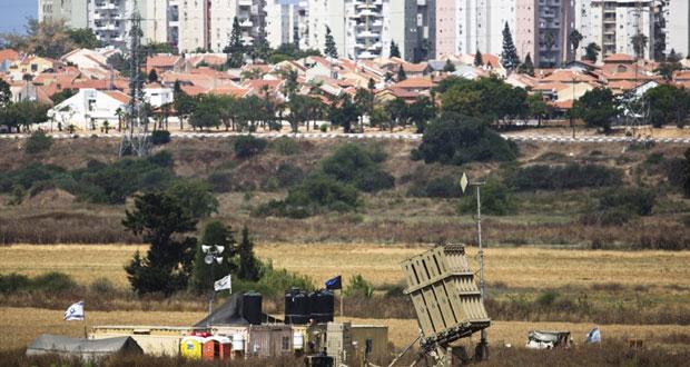 عدوان إسرائيلي على غزة من الجو والبر بدعوى سقوط صاروخ على (عسقلان)