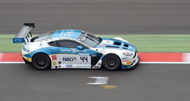 فريق عمان لسباقات السيارات يشارك في أطول سباقات بلانك في فرنسا