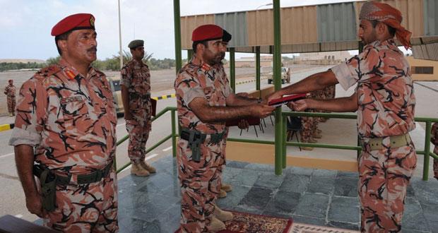 تكريم منتسبي قوة أمن الساحل بلواء المشاة 23 بالجيش السلطاني العماني والملحقين بها