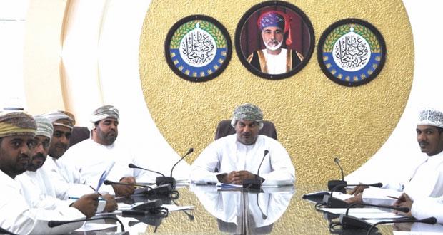 لجنة المؤسسات الصغيرة والمتوسطة بغرفة الظاهرة تستعرض المعوقات التي تواجه القطاع