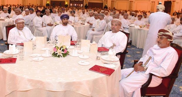 خالد بن هلال يرعى الحفل السنوي السادس لتحفيز وتكريم موظفي ديوان البلاط السلطاني