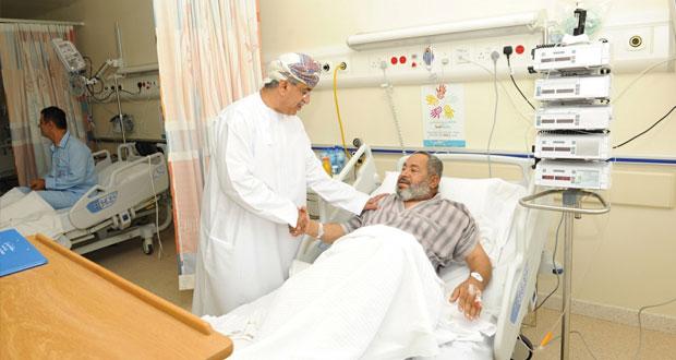 وزير الصحة يزور المركز الوطني لطب وجراحة القلب بالمستشفى السلطاني