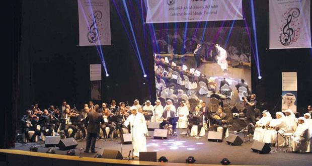 مهرجان الموسيقى الدولي الـ18 بالكويت يبدأ فعالياته بتكريم الشاعر الكويتي البناي