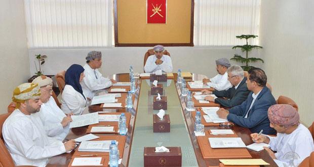 وزارة الإعلام تحتفل بتسلّم دراسة الاحتياجات المعرفية المستقبلية للجمهور العماني من برامج التوعية