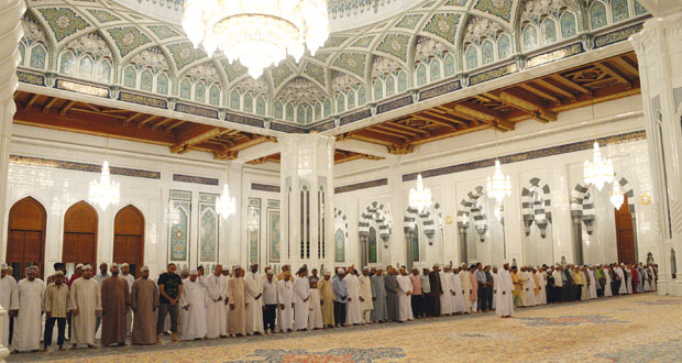 جلالة السلطان يتبادل التهاني مع ملك البحرين وأمير الكويت