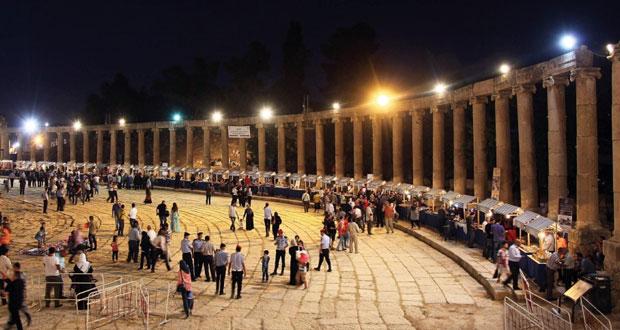 مهرجان جرش للثقافة والفنون في الأردن يضيء شعلته الثلاثين