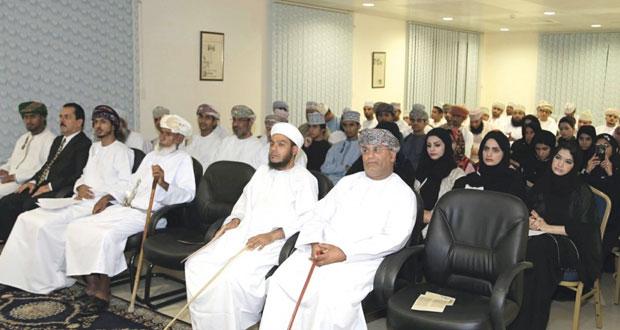 علي الزويدي يحضر بنبض الكاتب وفكر المتفحص في جمعية الكتّاب والأدباء