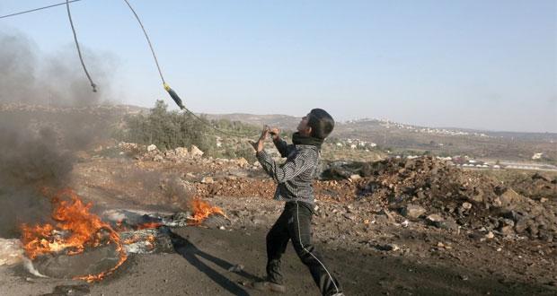 إصابة واعتقال العشرات خلال قمع قوات الاحتلال لمسيرات الضفة المناهضة للاستيطان