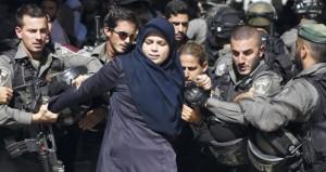 المرابطون في (الأقصى) يتصدون لقوات خاصة إسرائيلية حاولت اقتحامه