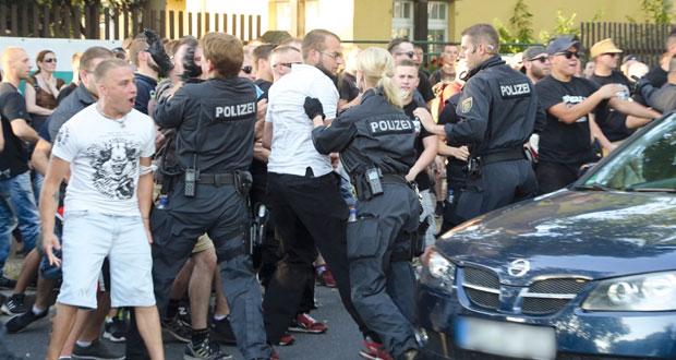 صدامات بين مؤيدي ومناهضي (الهجرة) في ألمانيا.. وأريتريا تطالب بتحقيق أممي حول عصابات التهريب