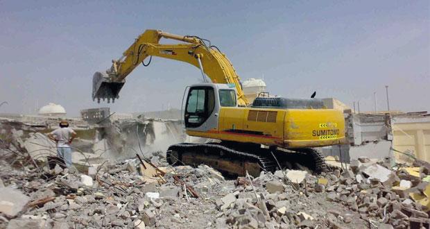 آليات الاحتلال تنفذ عمليات هدم واسعة في القدس