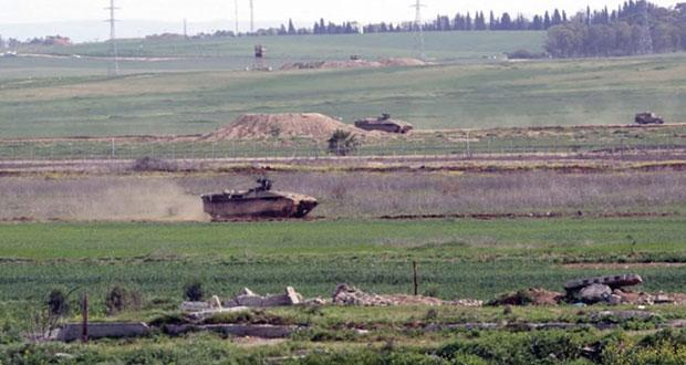 جيش الاحتلال يستهدف المزارعين في (خان يونس) ويحاصرها بالسواتر الترابية