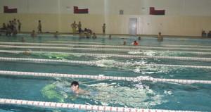 دائرة الشؤون الرياضية بمحافظة الداخلية تحتفل بختام الأيام المفتوحة للسباحة