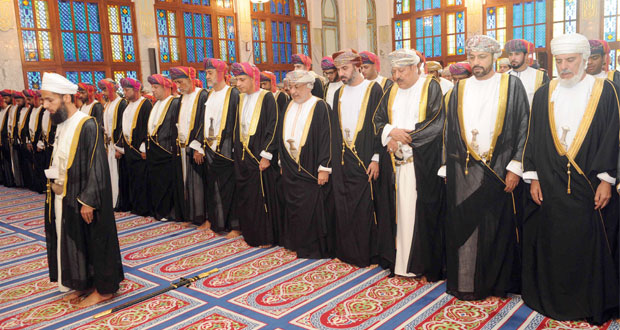 السلطنة تحتفل بأول أيام عيد الفطر السعيد