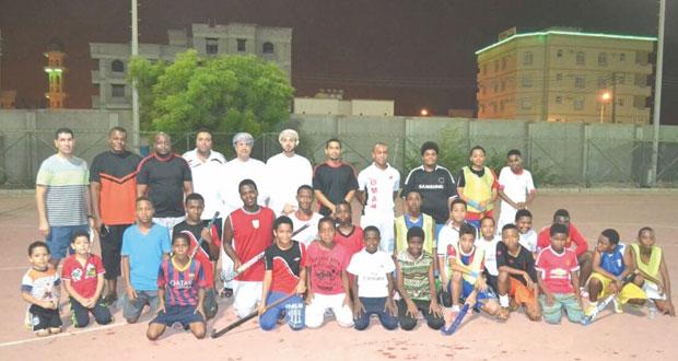 ختام مسابقة ملتقى المواهب الرياضية للهوكي بمحافظة ظفار