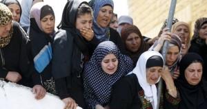قوات الاحتلال تغتال فلسطينيا بالخليل وتستهدف نجليه بالرصاص الحي
