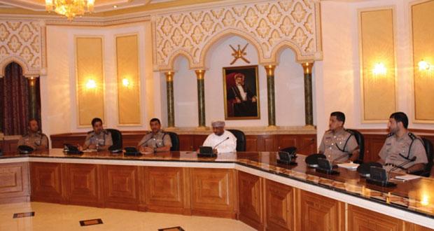 بلدية مسقط وشرطة عمان السلطانية تدرسان إعادة تأهيل وتطوير مطرح