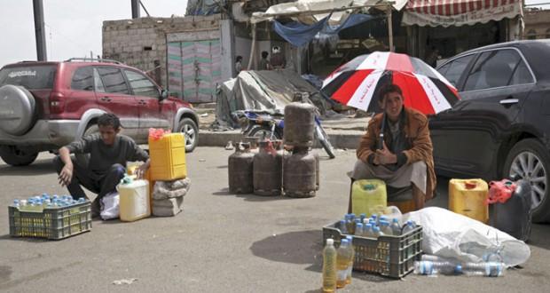 اليمن: مطالبات عربية بـ (الهدنة) وغارات على مواقع الحوثيين العسكرية