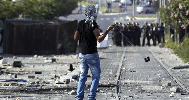 الفلسطينيون يستنكرون تشديد عقوبات الاحتلال على راشقي الحجارة