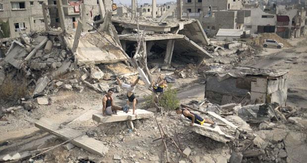 الاحتلال يعتقل بالضفة ويهدم منازل في الداخل .. وتوغل لآلياته بغزة