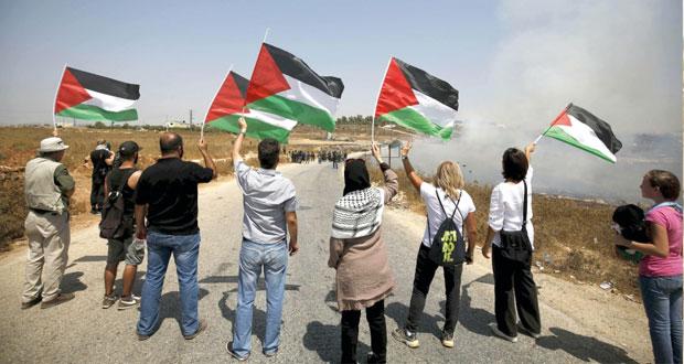 ارهابيو المستوطنون يطلقون حقدهم بمساندة قوات الاحتلال في الضفة