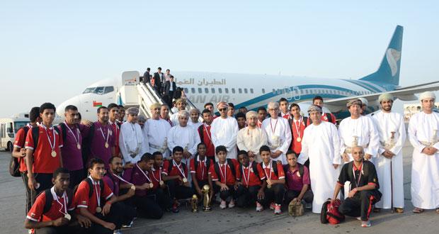استقبال حافل لأبطال الخليج