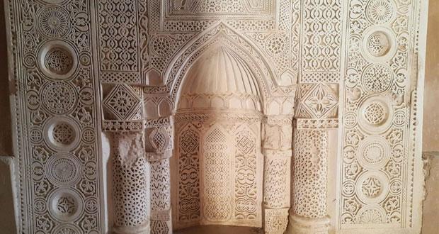 """مسجد """"الجامع"""" في أدم مركز ديني واجتماعي وعلمي أنجب العديد من العلماء"""