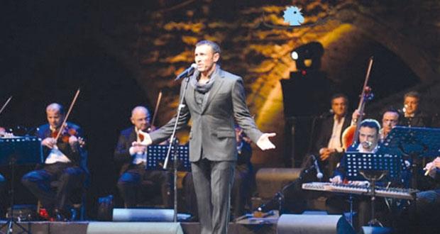 كاظم الساهر يبدع في مهرجانات بيت الدين اللبنانية